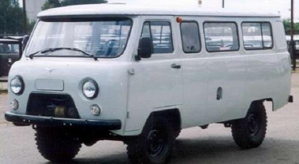 Автомобиль УАЗ-2206