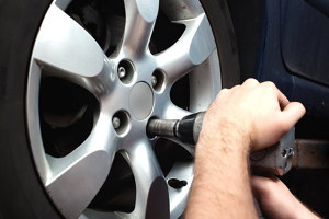 монтаж и демонтаж шин в гараже