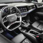 Электромобиль Audi Q4 EV SUV - интерьер