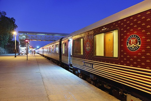 Люксовый поезд «Maharajas' Express» (Индия)